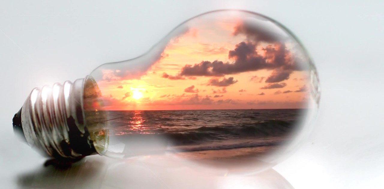 Light-Bulb-11187-1_Moment
